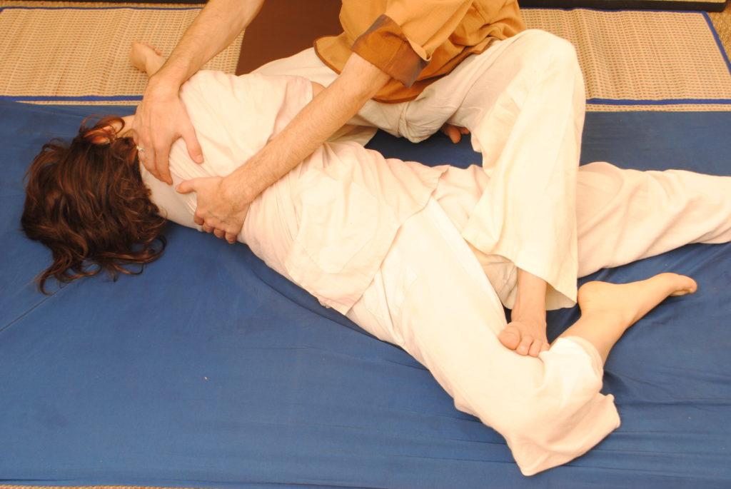étirements massage thaï